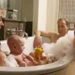 Kate, William e il principino <br/> sorpresi mentre fanno il bagno
