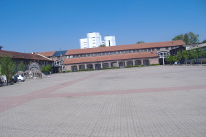 Il grande piazzale della Fabbrica del Vapore