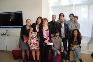 Il gruppo di artisti e design che ha contribuito all'iniziativa