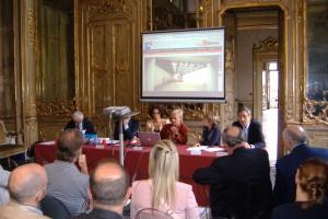 Il tavolo dei relatori nell'incontro a Palazzo Litta