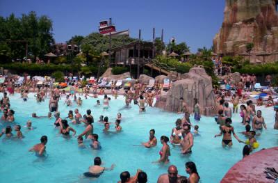 Attenti al rischio infezione nelle piscine