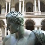 Canova: Napoleone, il dominatore nudo, restaurato