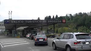 POLIZIOTTI ITALIANI BLOCCATI E DISARMATI DA GENDARMI SVIZZERI