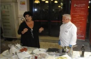 L'attrice Marisa Laurito con lo chef Pino Golia