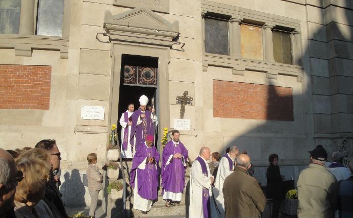 La commemorazione dei defunti al Cimitero Maggiore di Musocco