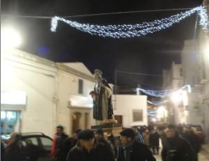 L'arrivo della processione in piazza San Antonio Abate