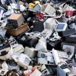 Vecchi computer, smartphone, hi tech: attenti a come smaltirli!