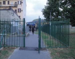 Cancello lato passante Via Lambruschini