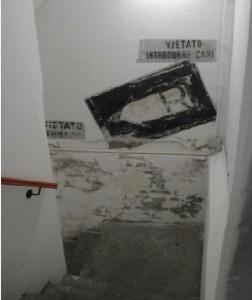 L'ingresso al rifugio in S.di Santarosa n.10