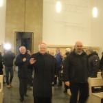 03 L'arrivo del Card. A. Scola nella chiesa Pentecoste accolto da don A. Basilico.JPG