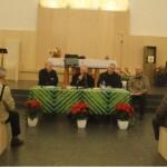 Il Cardinale A. Scola con Mons. C. Faccendini e i decani don C. Azzimonti e don E. Galli