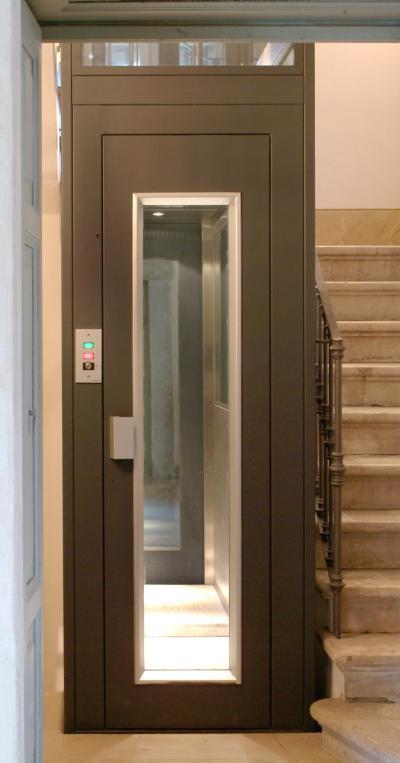 Sae ascensori pi di cinquant anni d esperienza nel - Mini ascensori da interno ...