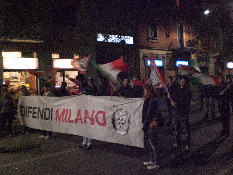 Lo striscione dei militanti di CasaPound Italia.JPG