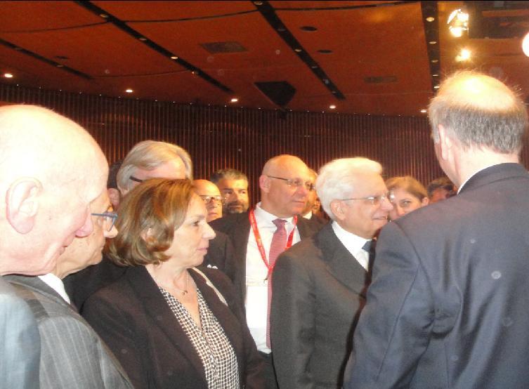 Il presidente S. Mattarella saluta i rappresentanti di Settore