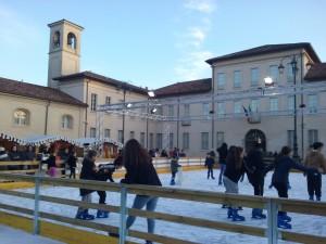 La pista di pattinaggio su ghiaccio