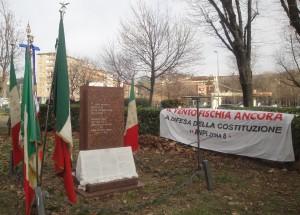Cerimonia presso il monumento di piazzale Accursio