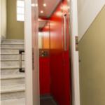 Uso dell'ascensore e jogging nei cortili ai tempi del Covid-19
