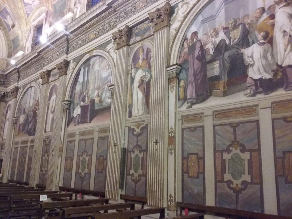 05 Alcuni affreschi delle pareti interne della chiesa_